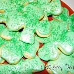 cookies_pile on plate