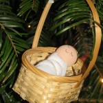 baby jesus_in tree2