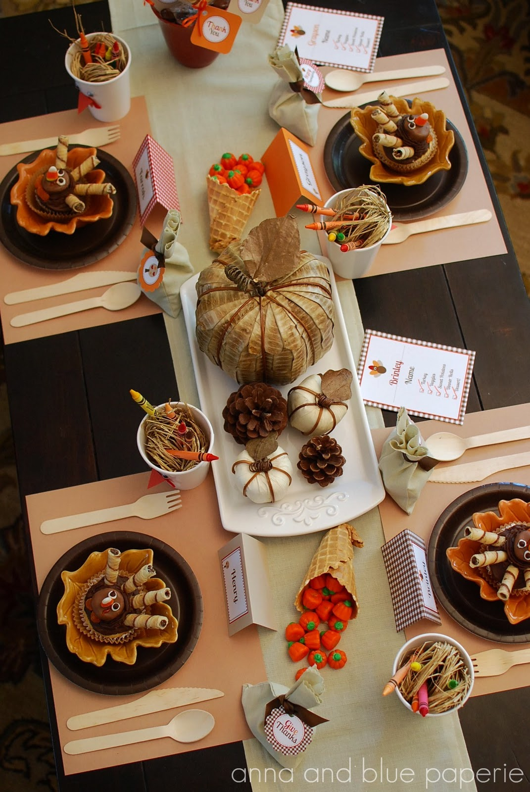 There are oodles of fab ideas on this Thanksgiving table for kids at ...