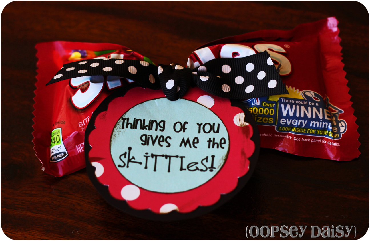 Candy Bar Love Notes {Easy Peasy Valentines} | Oopsey Daisy